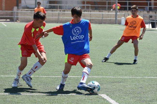 alumno_lecop_campus_futbol_semana_santa_zaragoza