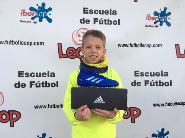 alumno_lecop_hugo_ganador_sorteo_adidas