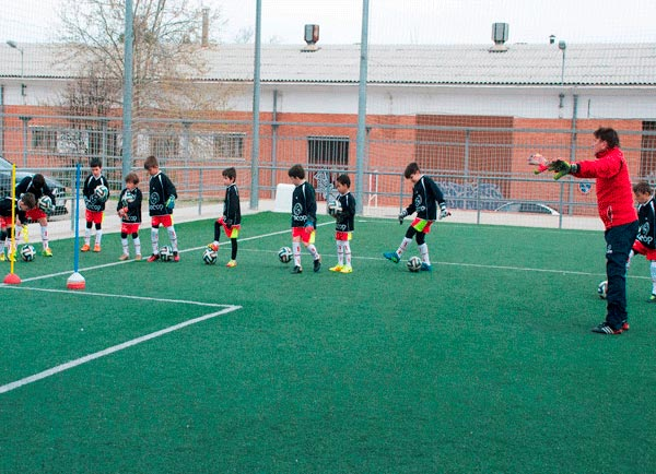 alumno_campus_futbol_zaragoza_portero_zaragoza_clase