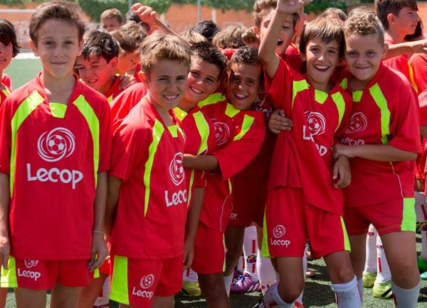 alumnos_campus_verano_futbol_haciendo_amigos