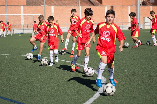 campus_futbol_lecop_alumnos_trabajando