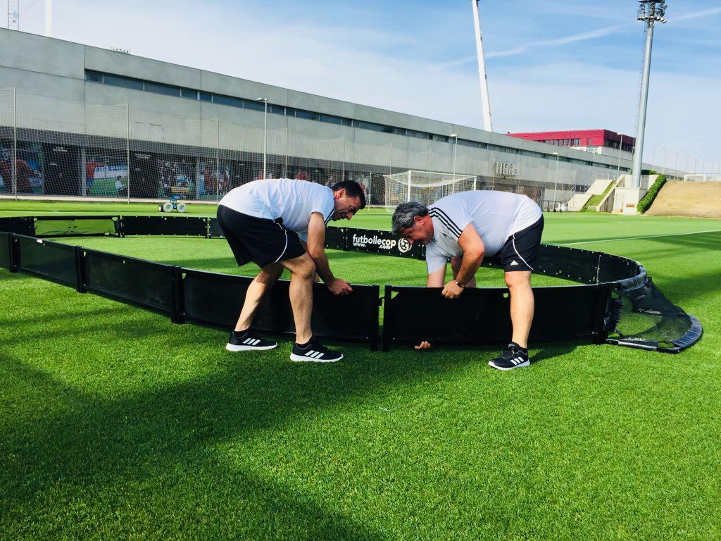 preparando_material_lecop_evento_deportivo_adidas