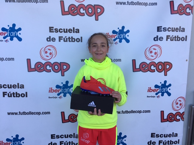 alumna_lecop_daniela_ganador_sorteo_adidas