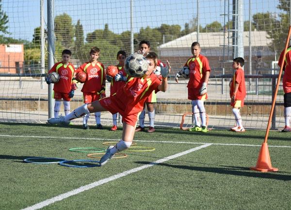 alumno_futbol_lecop_parando_salto