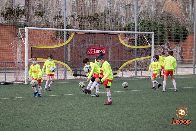 galeria-de-fotos-video-campus-de-futbol-semana-santa-2021-en-zaragoza